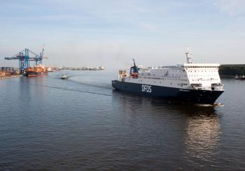 DFDS reinforces one route, but closes another