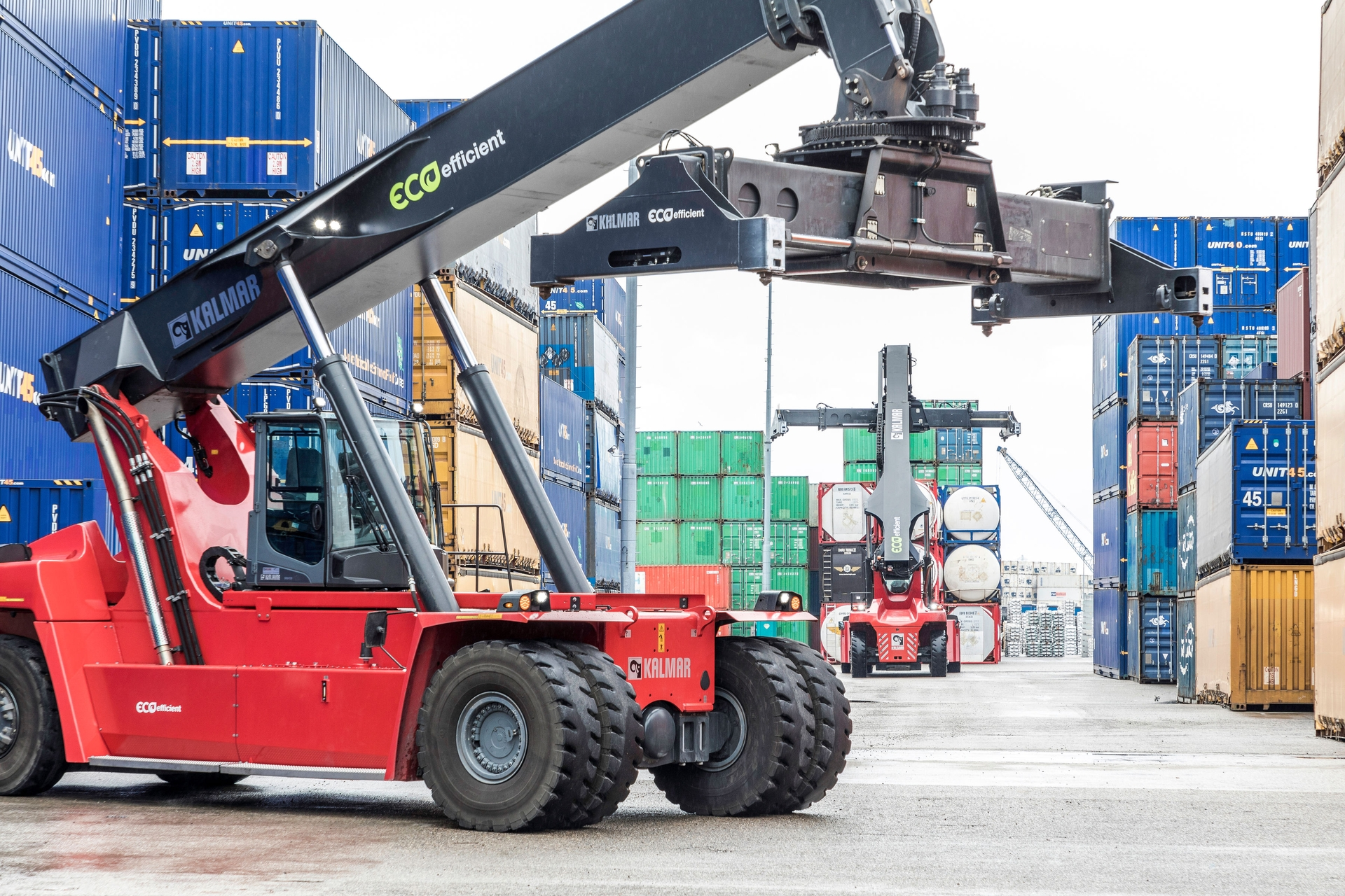 Yilport buys a large batch of mobile equipment from Kalmar