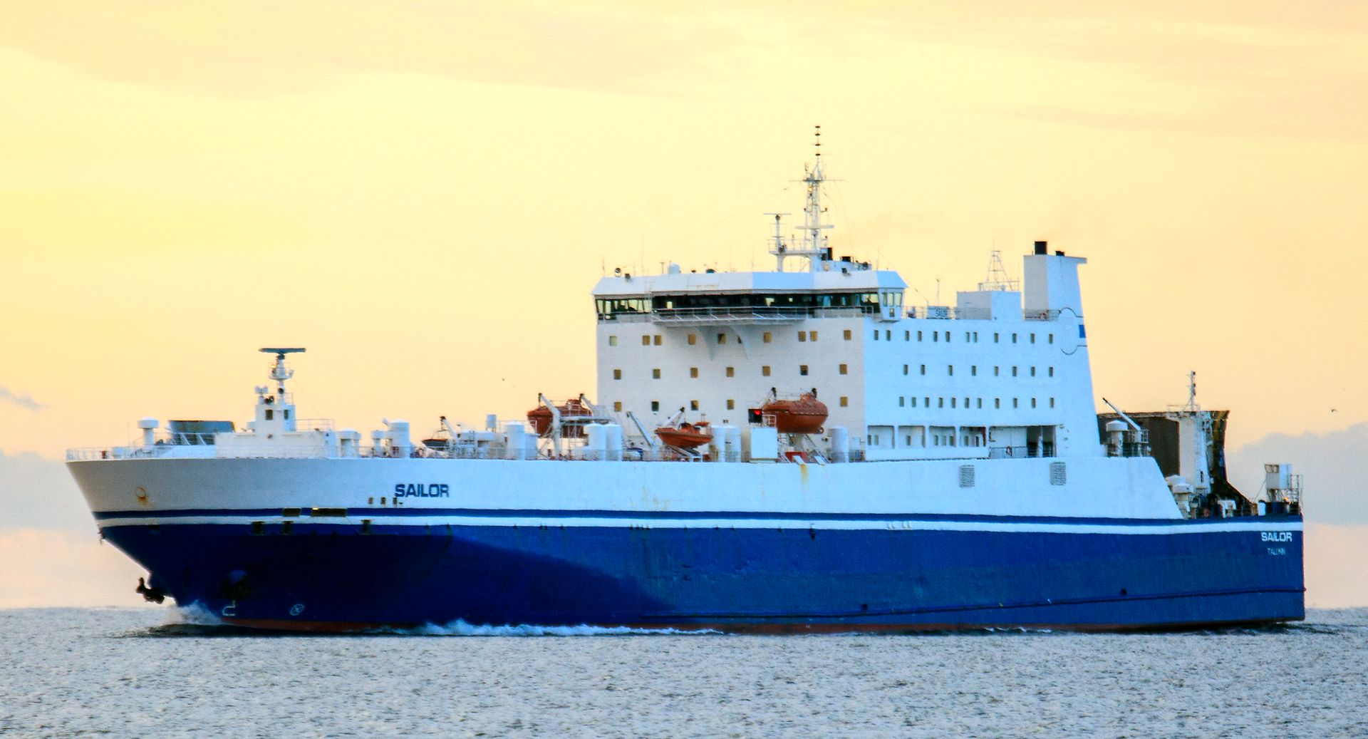 DFDS corona-adapts its SE-EE-FI network